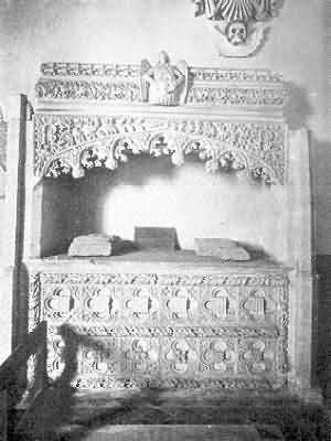 Heanton Punchardon:  Coffin Monument